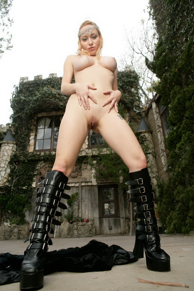 Naked Fantasy Babes, aiden_castle-guard-naked, naked ...